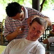Себорейный дерматит, даже дорогой шампунь не поможет