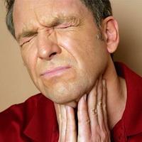 Болит горло? А может быть это, симптомы воспаления миндалин?