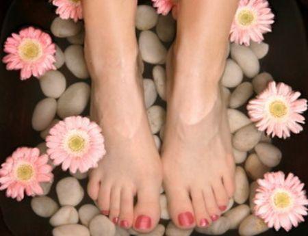 От чего потеют ноги?