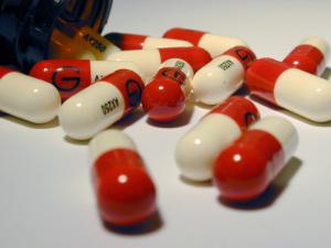 Для лечения язвы используется антибактериальная терапия