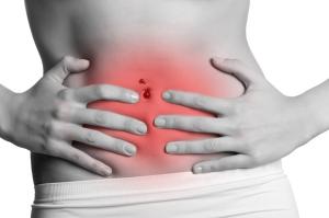 О геморрагическом гастрите говорит наличие крови в моче и кале