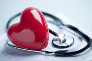 При лечении стенокардии важно устранить факторы риска появления приступов