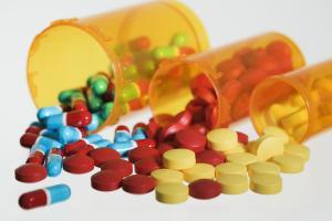 Существует множество препаратов для лечения прыщей