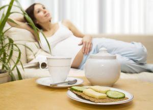 Кашель при беременности возникает при наличии инфекции в органах дыхания