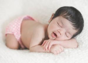 У новорожденных запор может появляться по различным причинам
