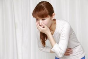 Длительная тошнота говорит о нарушении работы желудка или кишечника