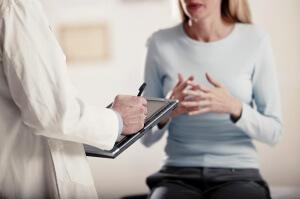 При опускании органов у женщин рекомендуется прием препаратов