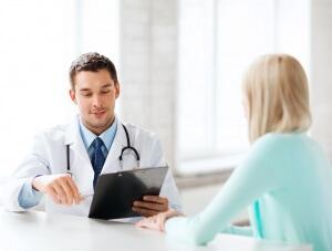 Альгоменорея сопровождается рядом симптомов