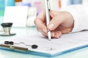Некоторые пациенты применяют препарат для лечения геморроя