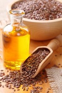 Льняное масло удобно использовать в капсулах