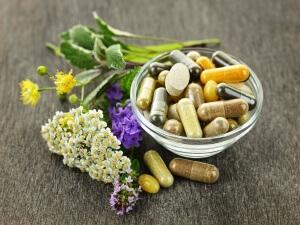 Народная медицина помогает лишь убрать симптомы
