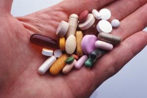 Не рекомендуется принимать Ренни одновременно с другими препаратами