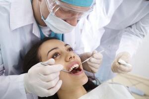 Перед установкой имплантов нужно оценить общее состояние пациента