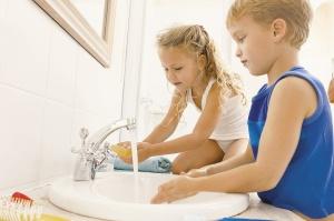 У детей задний проход может чесаться из-за наличия глистов