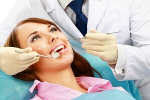 Важно вовремя избавляться от зубных отложений