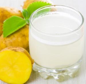 Многие пациенты используют для лечения язвы картофельный сок