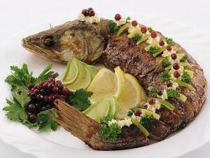 Рыба судак считается низкокалорийной