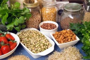 Для нормализации уровня холестерина нужно правильно питаться