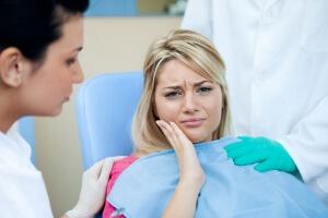 Иногда после удаления зубов мудрости могут возникать осложнения