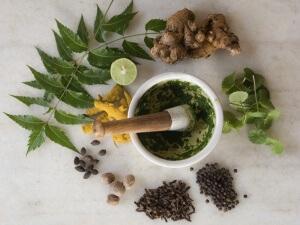 Для лечения бесплодия можно готовить различные отвары и настойки