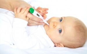 Следует знать симптомы простуды у новорожденных