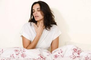 При поражении органов дыхания появляется кашель