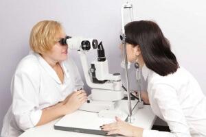Каждый человек может страдать заболеваниями белочной оболочки глаза