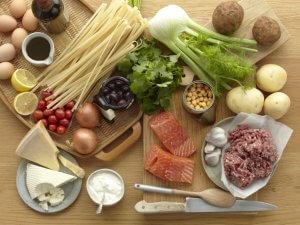 Чаще всего холестерин повышается из-за неправильного питания