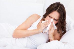 От насморка разрешено использовать Пиносол во время беременности