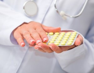Для лечения пациентам необходимо принимать кортикостероиды