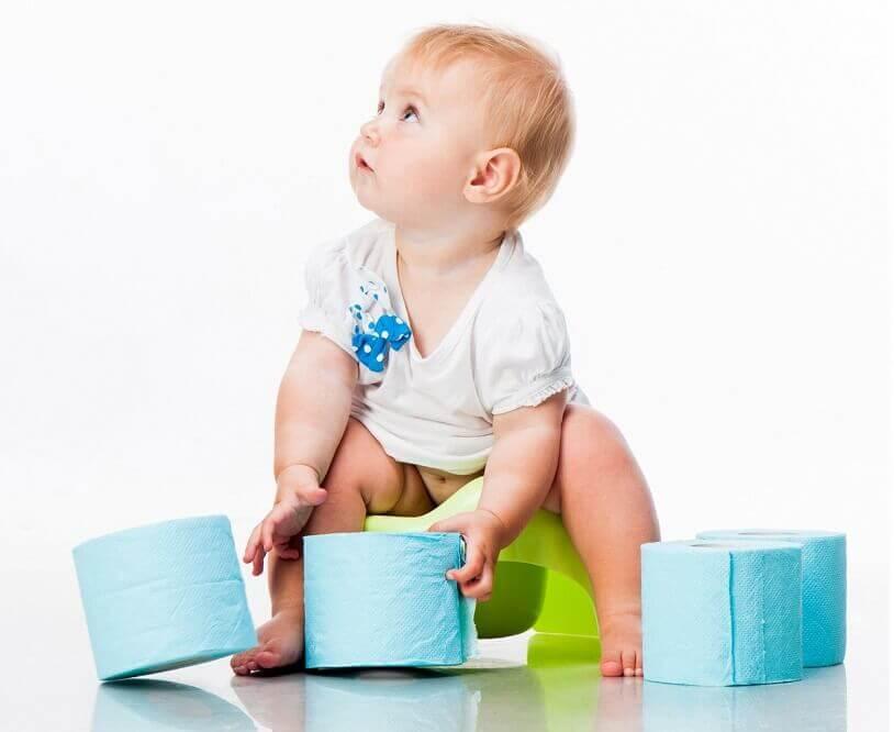Почему у ребёнка зелёный стул в 1 месяц