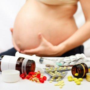 Причины насморка у беременных