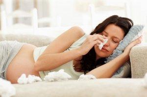 Вред насморка для женщины и плода